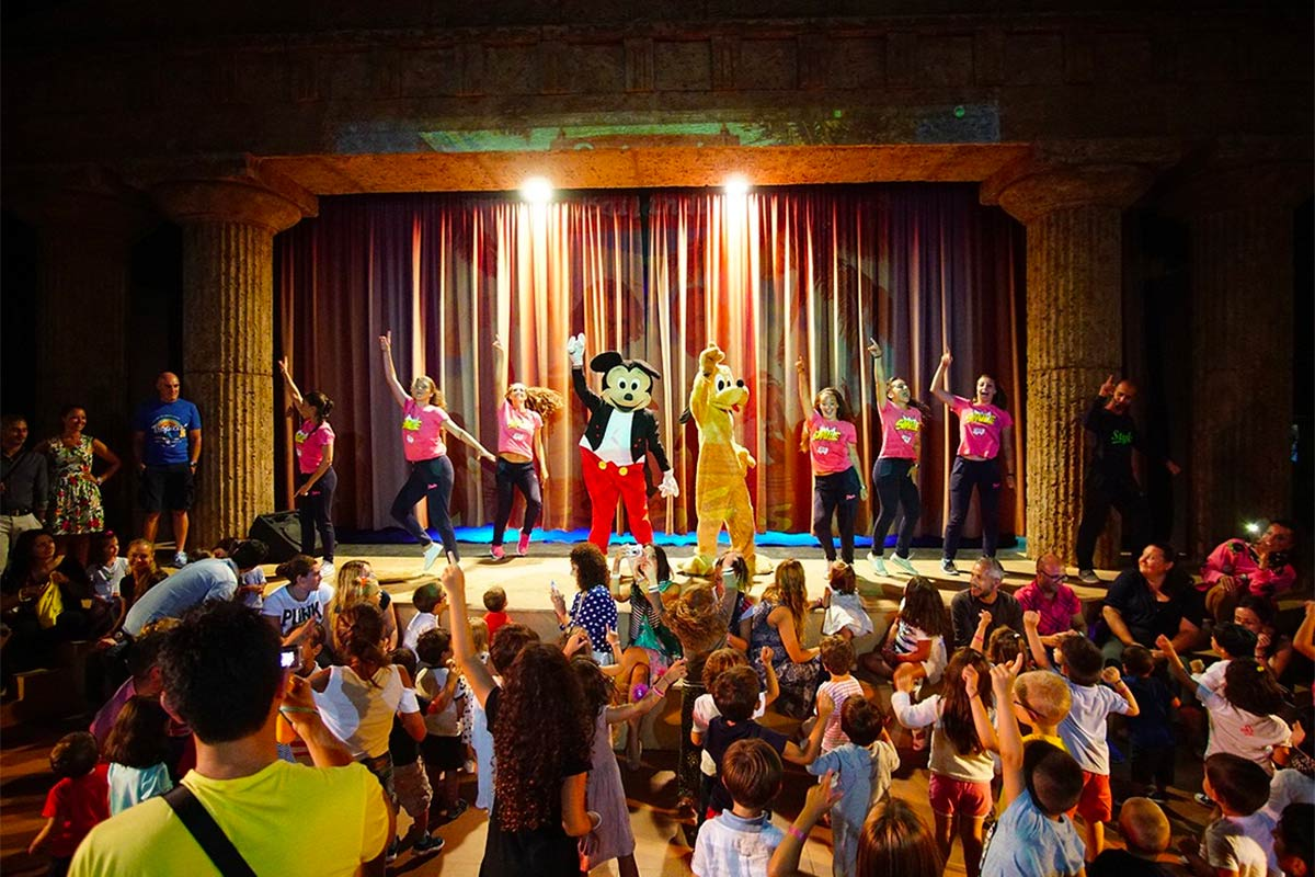 Activities – Shows and musicals